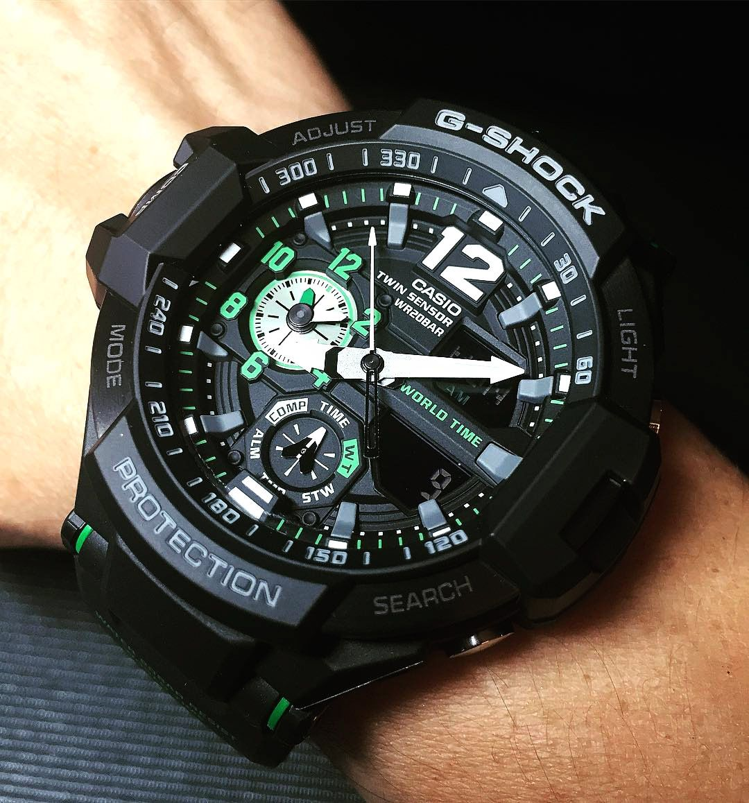 5f682d2a3071 The stainless steel and resin case features a rather busy dial (like all  Casio G-Shock watches) featuring a plethora of indicators from a digital  compass, ...